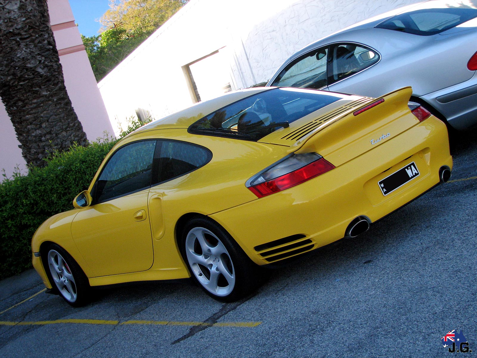http://aussieexotics.com/drivers/albums/imported/dingo/perth-spotting/porsche-996-turbo-(14).jpg