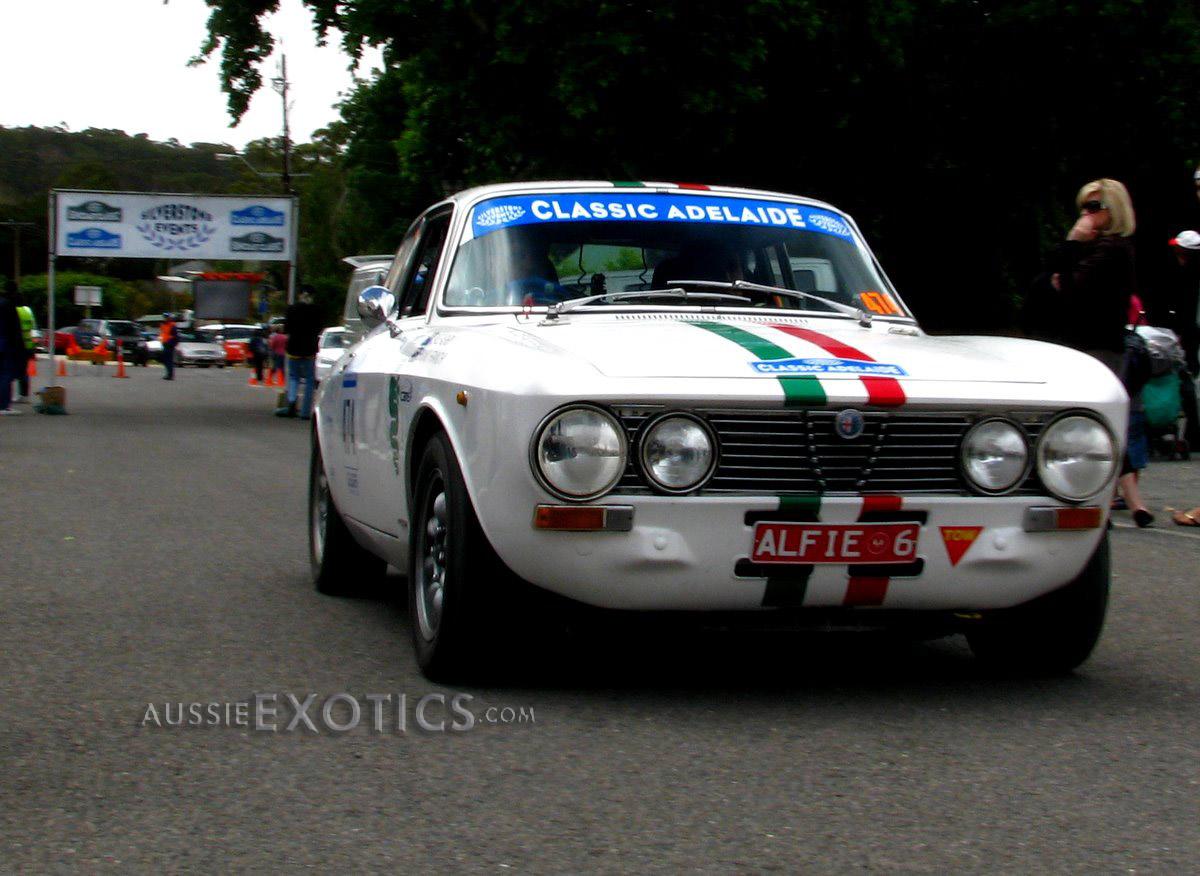 aT itle: Alfa Romeo 105 GTV