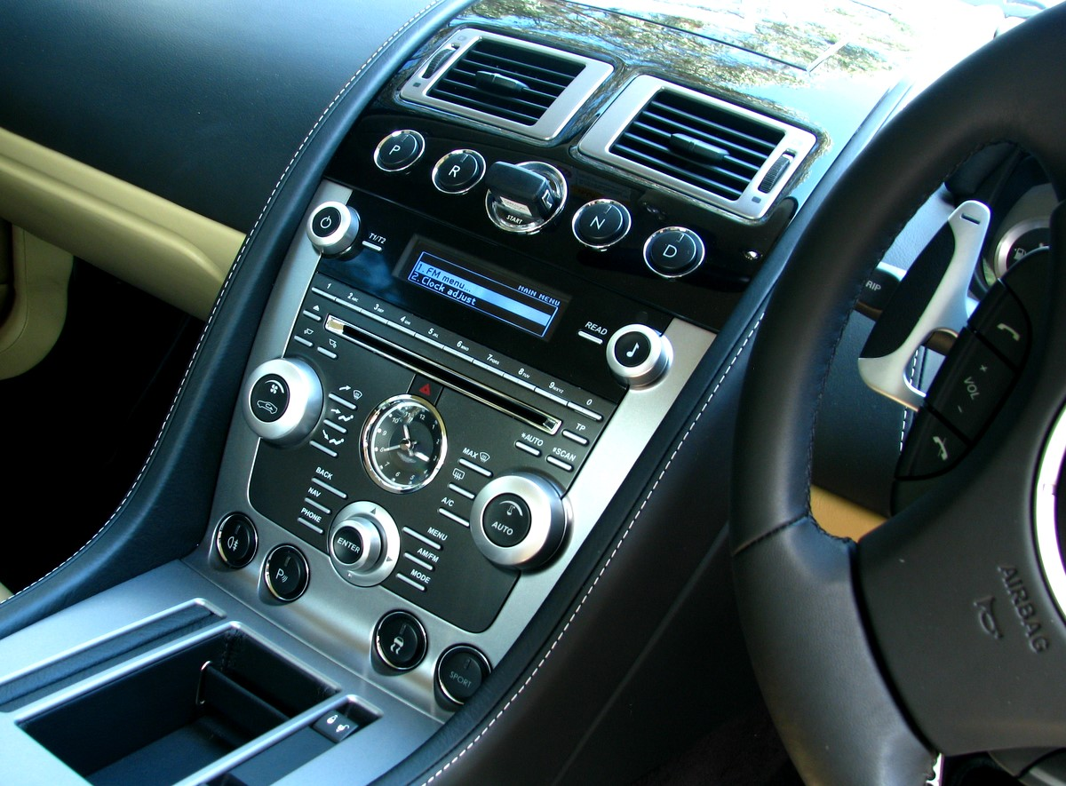 Aston Martin DB9 interior