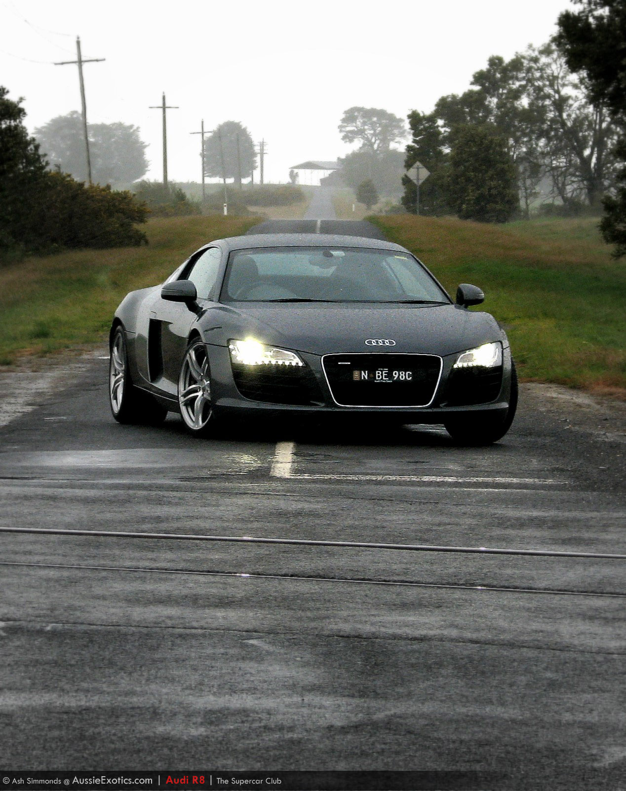 Car Audi R8 - Supercar Club