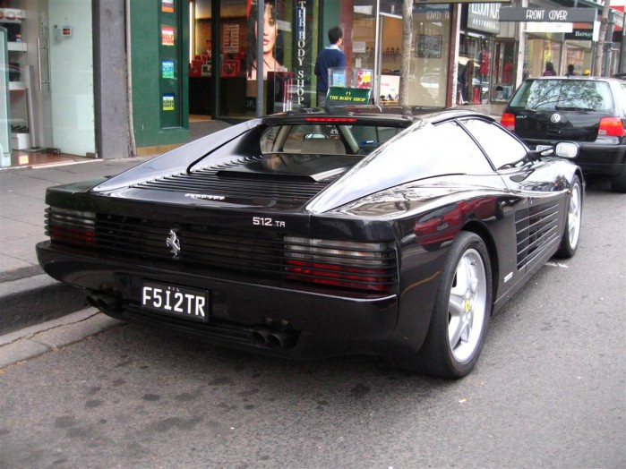 md_Ferrari_512TR_Testarossa_-_rear_right_1_(Chapel_St,_South_Yarra,_Victoria,_23_Sept_07).JPG