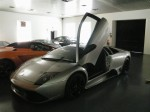 Showroom Pics: Grey LP640 with door open